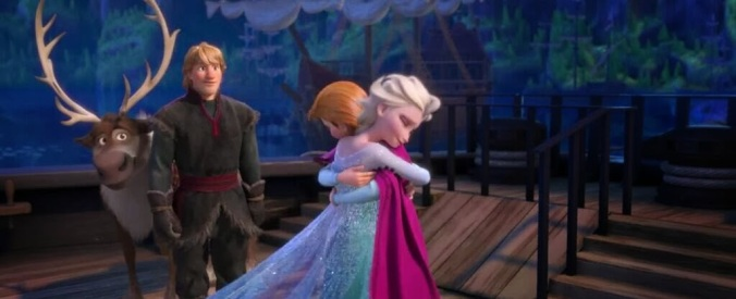 Frozen-Anna-and-Elsa-hugging