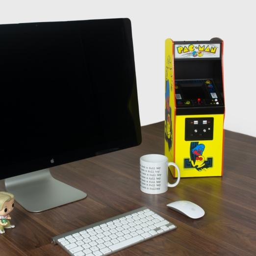 Pac-Man-Desk-02-2160x2160